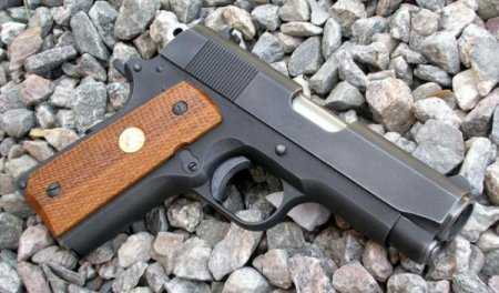Пистолет Colt Officer's ACP MK IV series 80 (США)