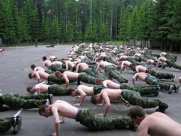 Картинки по запросу фото солдаты отжимаются