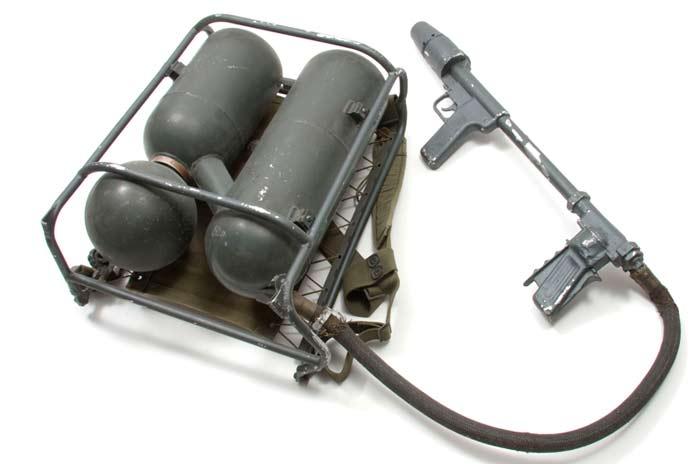 Ранцевый огнемёт M9A1-7 (США)