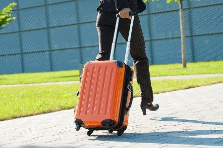 Когда понадобился пластиковый чемодан